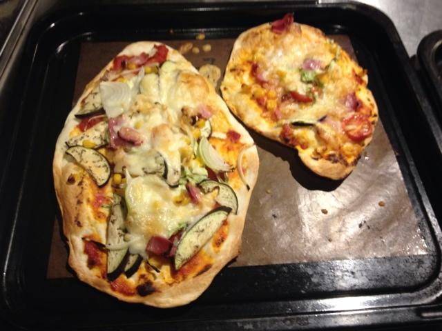 【クリスピーが好みです!】薄〜いピザ作りました。
