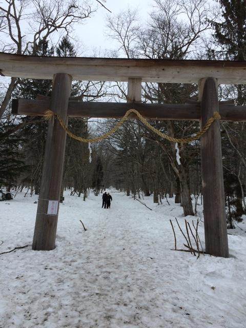 【スキーが雨で流れ…】まだ冬でした、長野の戸隠。