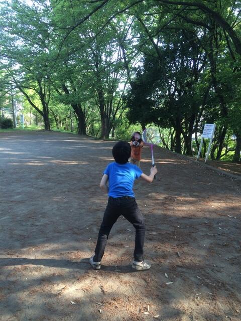【GWの過ごし方③】近所の公園でバドミントン遊び♪