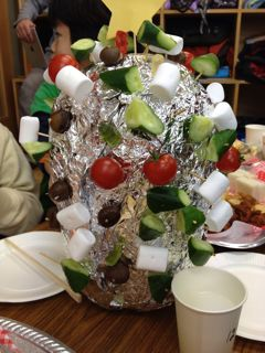 【学童のクリスマス会】アルミホイルツリーの中身は。